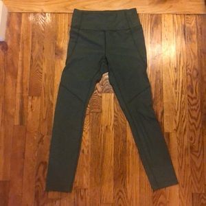 Outdoor Voices hunter green leggings size S